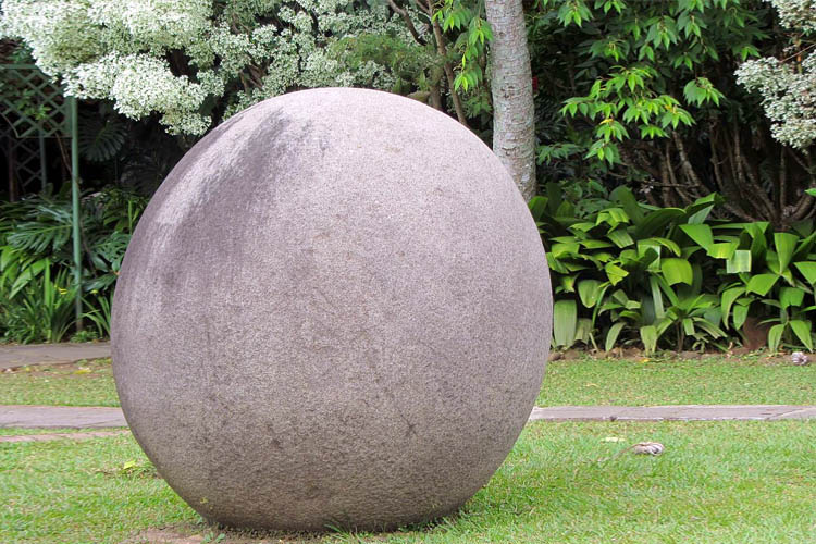 costa-rica-stone-spheres-perfect-round