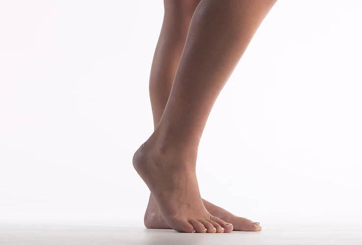 Female Body Language Single Heel Raise