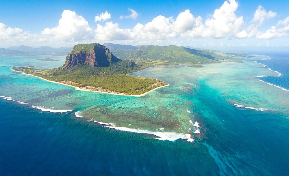 Mauritius Underwater Waterfall
