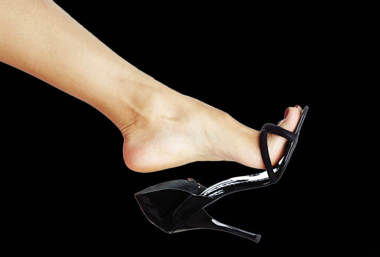 Female Body Language Shoe Dangle